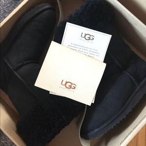 🧣UGG Classic Tall Black Women's Boots